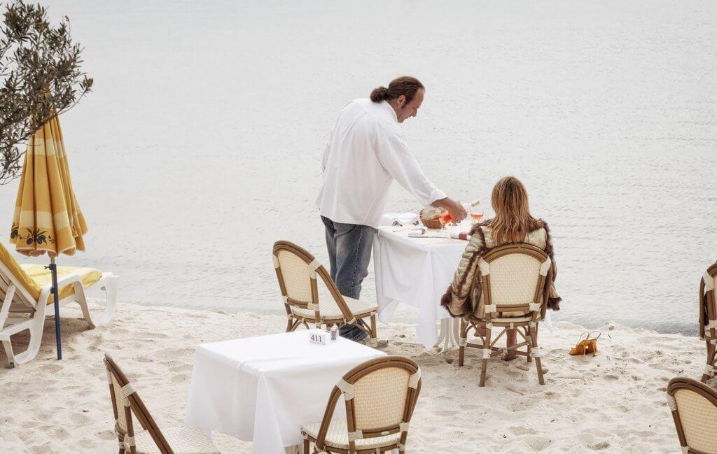 vip event dinner beach